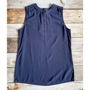 ✨Banana Republic Silk Sleeveless Blouse